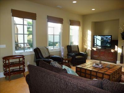 Palm Desert house rental - Family Room Which Is Connected To Wide Open Kitchen & Island W/Views To The Pool