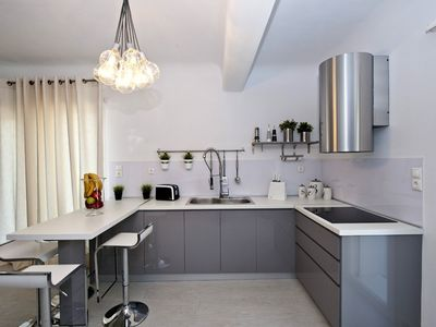 Villa 6: A fully equipped kitchen