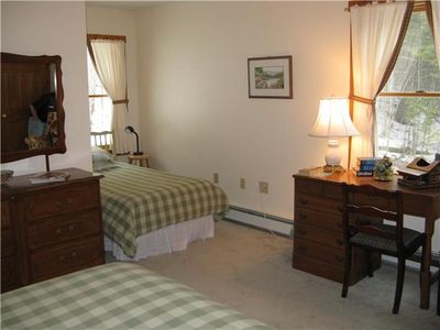 Bar Harbor house rental - 2nd floor bedroom with twin and queen bed