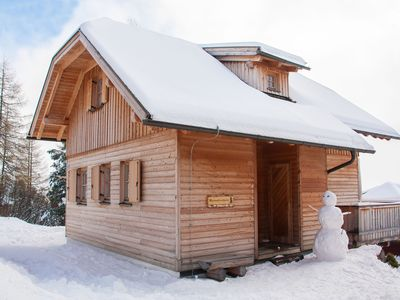 House at 1800m, great location, close to ski lift, south-facing slope, wood oven, wireless