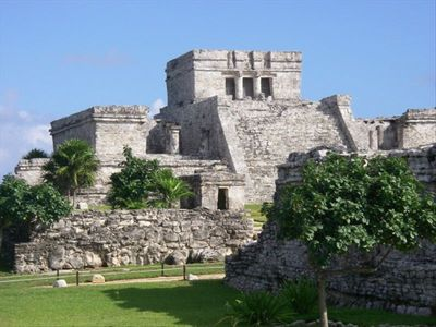 The magnificent cliff side ruins of Tulum