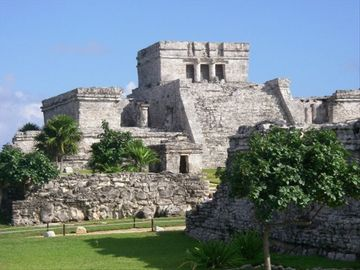 The magnificent cliff side ruins of Tulum, only 20 minutes away.