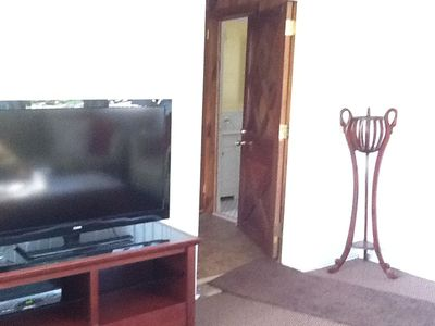 Big flat screen TV/DVD Free Wi Fi