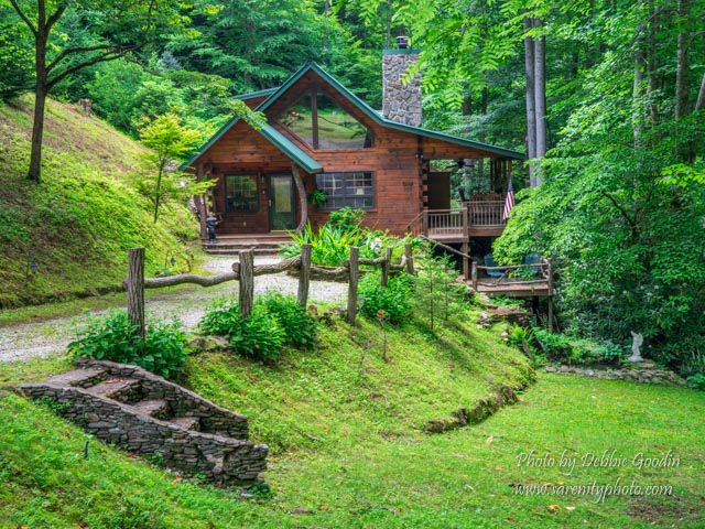 Bryson city cabin rental one of a kind hollow nestled in for Smoky mountain nc cabin rentals
