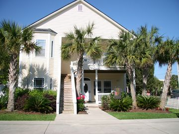 Crescent Beach house rental - Front of Pineapple Palms!