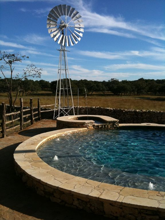 Ranch on Guadalupe River -Tubing, Game Room,... - VRBO