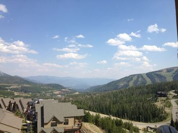 End Unit with views of Andesite Mountain