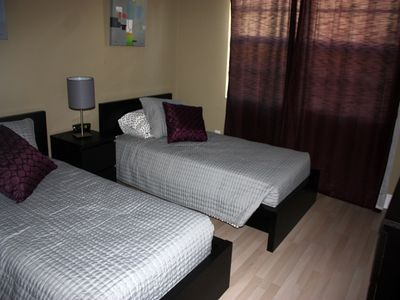 Guest Bedroom with 2 Twin size beds