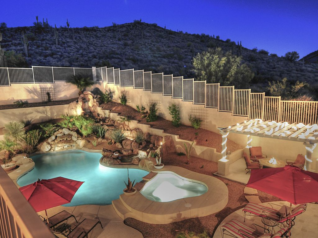 Resort luxury inside and out privacy homeaway for Home design 85032