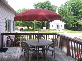 Muskegon cottage photo - Outside Space- side deck