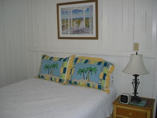 Folly Beach house photo - Queen Bedroom with walk through bathroom