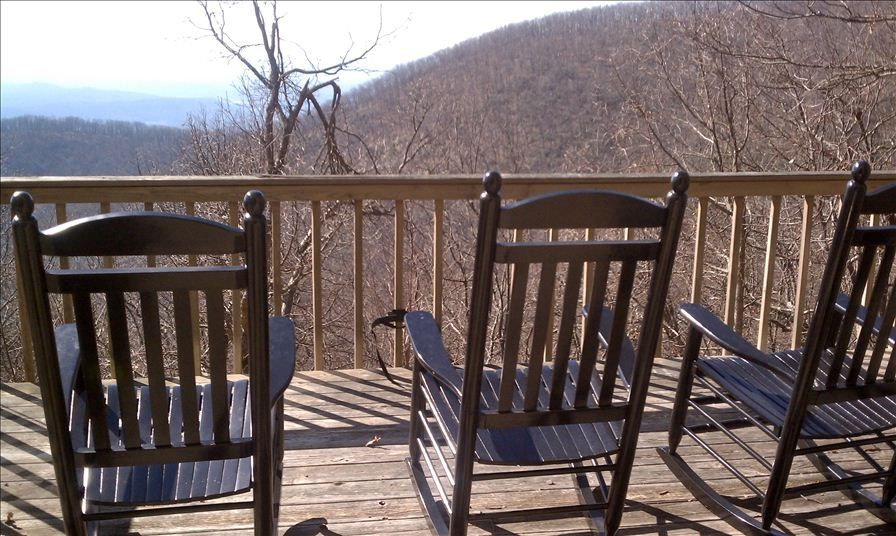 Big canoe home mountain top with 80 mile view vrbo for Big canoe lodge
