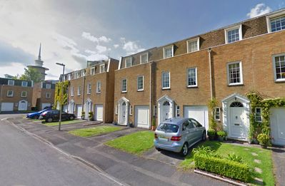 3 Storey modern executive townhouse. Central Basingstoke, with parking