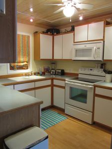 Beulah house rental - Kitchen.