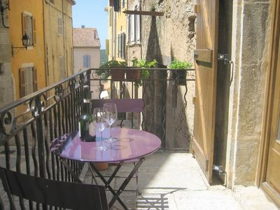 Air conditioned studio in a quiet street in the historical centre of Fayence