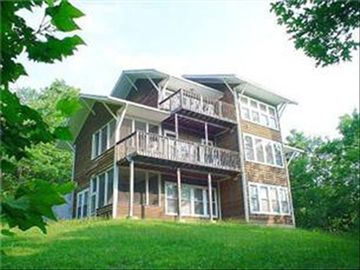 Gatlinburg chalet rental - Back of Chalet with Breathtaking Vews of Mountaines