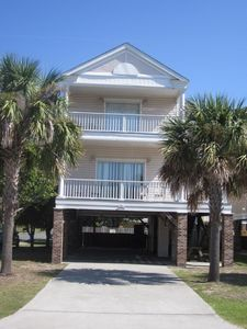 Annie's Getaway -completely renovated, charming 4BR 3.5BA at Surfside Beach, SC