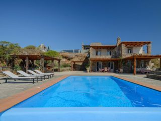 Charming Villa With Swimming Pool And Homeaway Kea