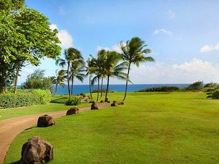 Poipu house photo - VIER RIGHT ON THE PATH, DROP INTO THE BEACH AND ENJOY THE DAY...