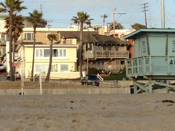40th Street Life Guard Tower and Volleyball court in front of House