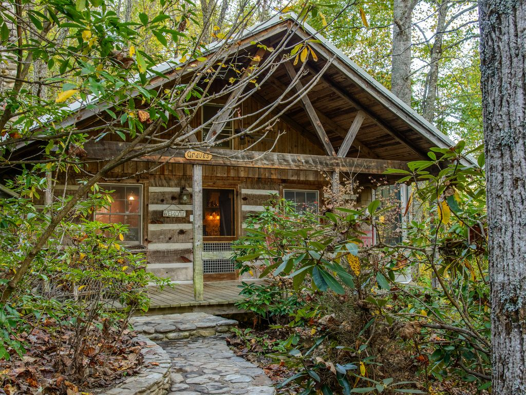 Graves cabin luxury cabin near waynesville asheville for 8 bedroom cabins in north carolina