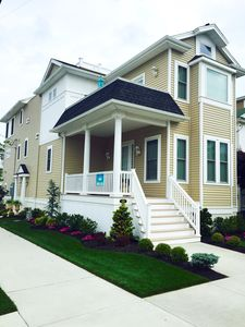 1548 Central is located on the corner of 16th & Central in the heart of OCNJ