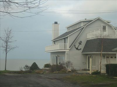 Spectacular Beach House Near Cedar Point in Mitiwanga Beach