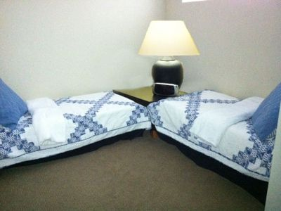 2nd bedroom with twin beds (your choice)