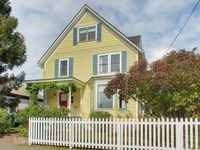 Victorian Retreat (top 2 Floors) In Historic Ballard