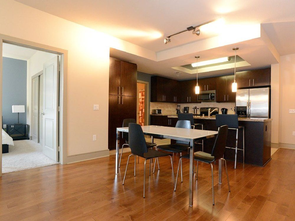 spacious hotel like 2 bedroom apartment in anaheim
