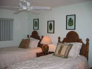 Sanibel Island condo photo - Guest Bedroom with 2 Twin Beds
