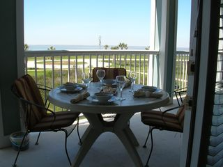 Galveston condo photo - Dine al fresco