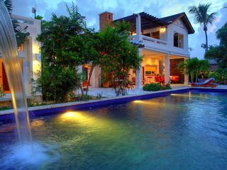 Las Terrenas house photo - Pool and fall at night