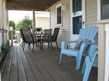 Surf City house rental - The inviting front deck welcomes you!