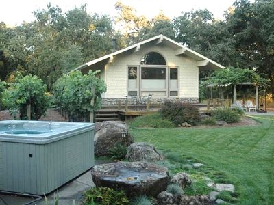 Romantic Cottage on 4 Private Acres of Vineyards and Oaks
