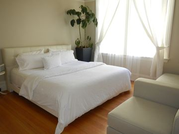 Nicely furnished bedroom (all bedrooms identical)