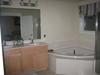Vacation Homes in Ocean City townhome photo - Master Bath