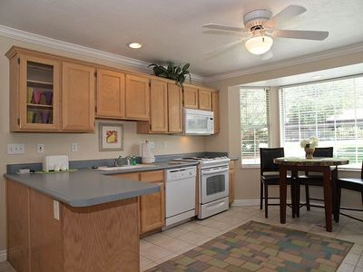 Cottonwood Heights house rental - FULL KITCHEN W/ BISTRO TABLE (NICE APPLIANCES, CEILING FAN)