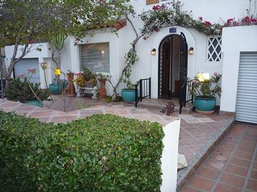 La Jolla bungalow rental - Front of house.