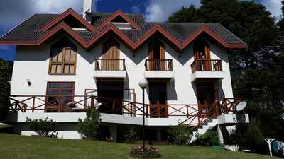 Lovely 5 bedroom house for 17 people comfortably, AC 500m2