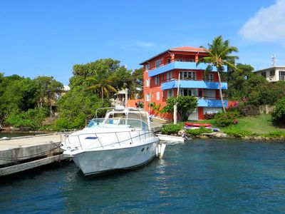 Coral Cove: Elegant Waterfront Apartment With A Spectacular View of Paradise
