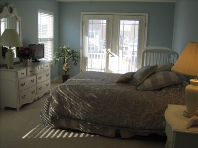 Upstairs Bedroom with French Doors to Balcony, Flat Screen TV, Walk-in Closet