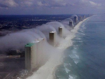 Cloud Tsunami! Very Rare