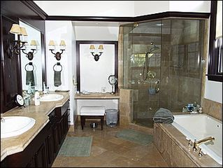 Aspen townhome photo - Master Bathroom w/Jacuzzi and Steam