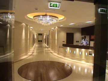 Jumeira Beach apartment rental - THE IMPRESSIVE RECEPTION AREA