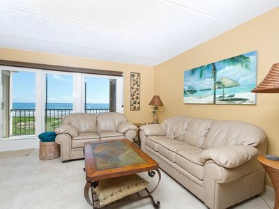 Luxurious, large condo in a quiet complex on the beach!