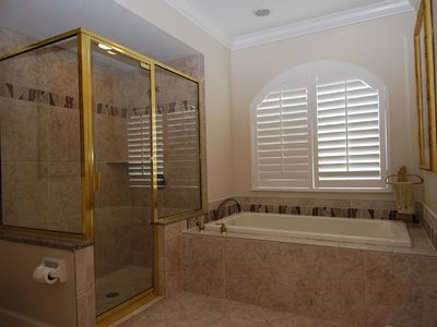 Elegant and luxurious master bath