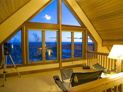 Loft next to Master Bedroom overlooking Lake Superior - Imagine the sunrise!