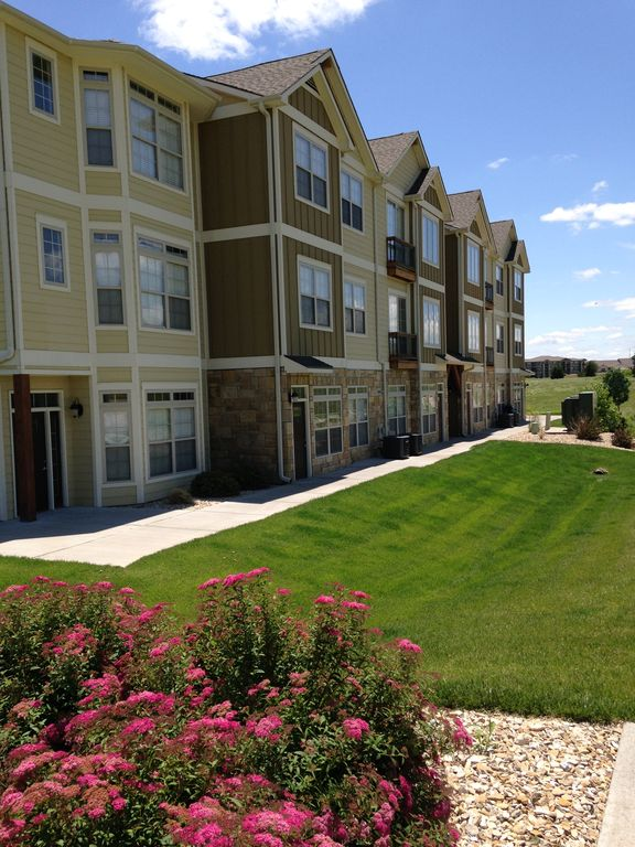 Upscale Townhome Located At Colbert Hills Golf Course! Unbelievable Views!