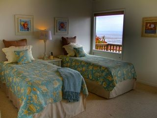 Pacific Grove house photo - Master bedroom made up as 2 twins